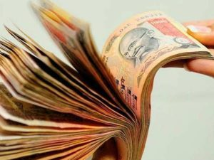 Let people use old notes for necessities says Supreme Court