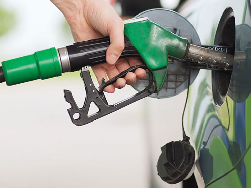 No extra charges for card payments at petrol pumps,says government